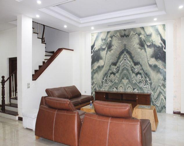 Cho thuê biệt thự song lập Vinhomes Riverside đầy đủ nội thất giá mềm 1