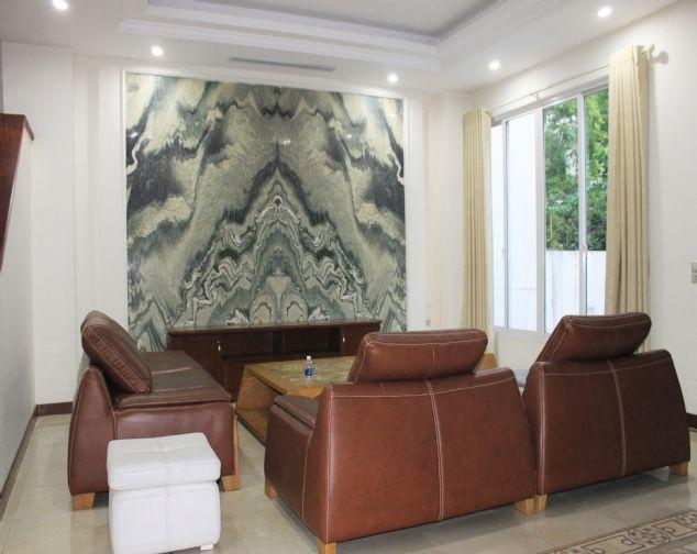 Cho thuê biệt thự song lập Vinhomes Riverside đầy đủ nội thất giá mềm 2