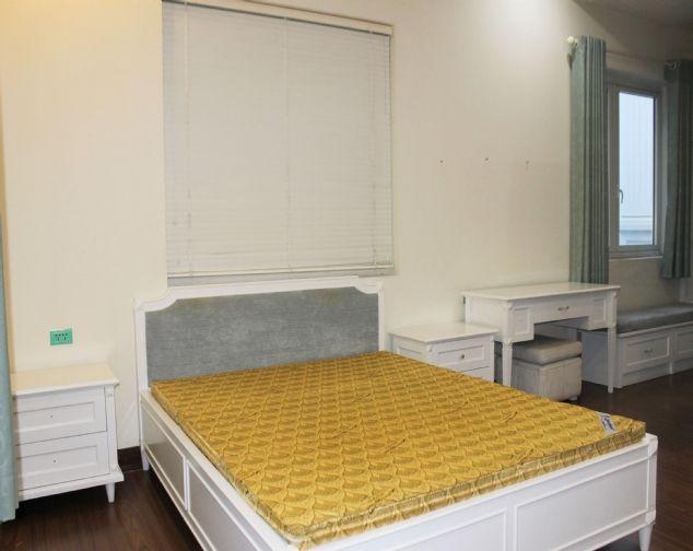 Cho thuê biệt thự song lập Vinhomes Riverside đầy đủ nội thất giá mềm 7