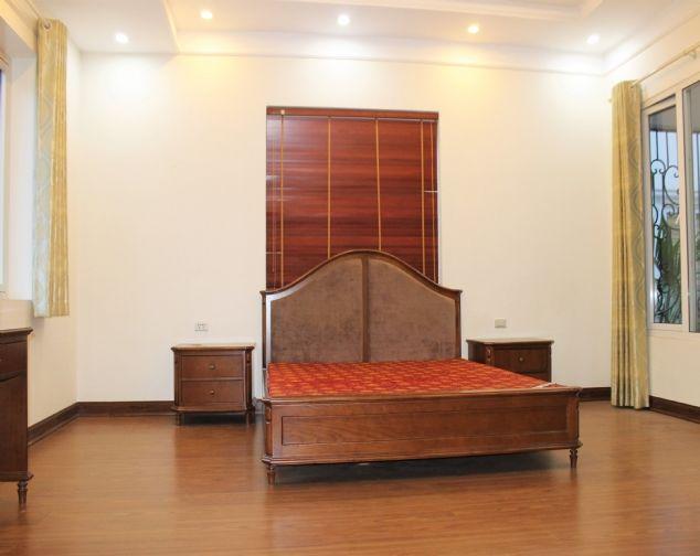 Cho thuê biệt thự song lập Vinhomes Riverside đầy đủ nội thất giá mềm 8