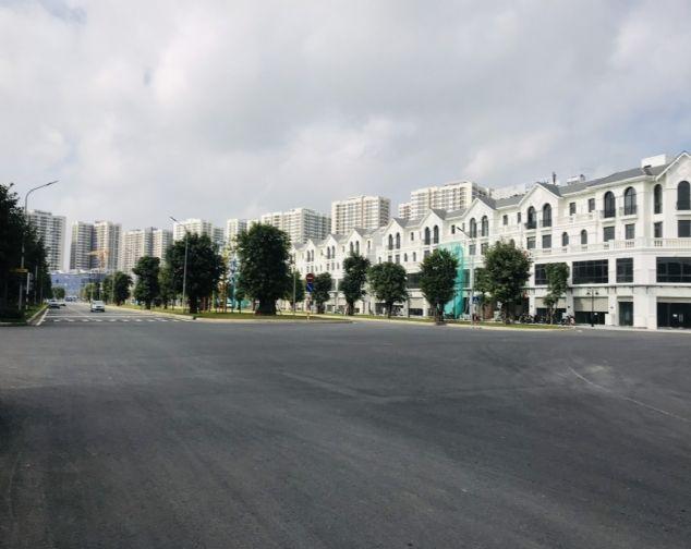 Nhà phố Shophouse đang hoàn thiện, vị trí đẹp, DT 70m2 cần cho thuê tại Vinhomes Ocean Park 2
